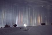 Удивительные световые столбы выросли над Канадой
