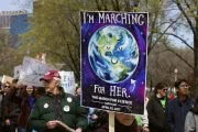 """""""Марш в поддержку науки"""" прошел по всему миру — от Арктики до Антарктиды: фотообзор"""
