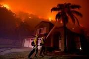 Огненный апокалипсис в США: фото и видео, сделанные пожарными